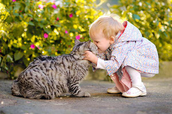 adorable-kids-with-their-cats-20-photos-19