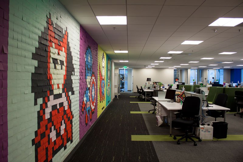 employee-uses-post-its-to-turn-drab-office-walls-into-giant-superhero-murals-16