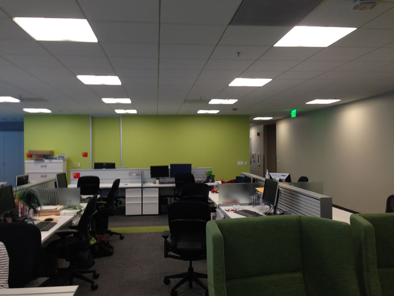 employee-uses-post-its-to-turn-drab-office-walls-into-giant-superhero-murals-2