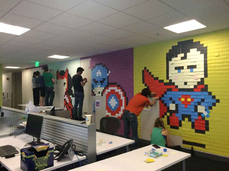 employee-uses-post-its-to-turn-drab-office-walls-into-giant-superhero-murals-9