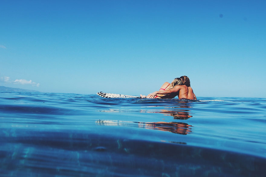 photographer-model-surfer-couple-travels-world-jay-alvarrez-alexis-ren-22