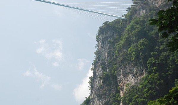 chinas-new-gigantic-glass-bottomed-bridge-can-go-straight-to-hell-7-photos-3