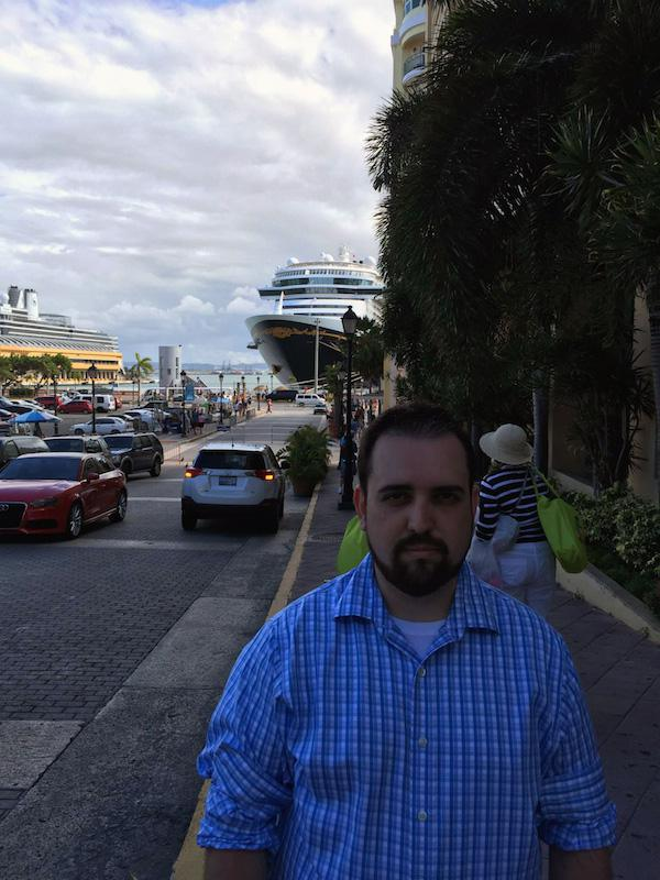 family-man-finally-gets-to-have-fun-in-puerto-rico-28-photos-19