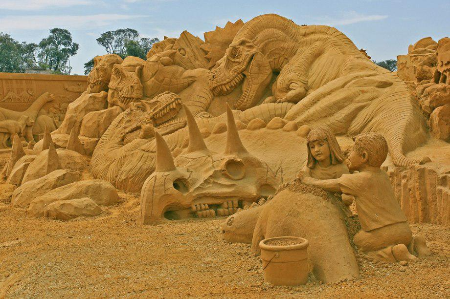 sand-sculpting-australia-new-12