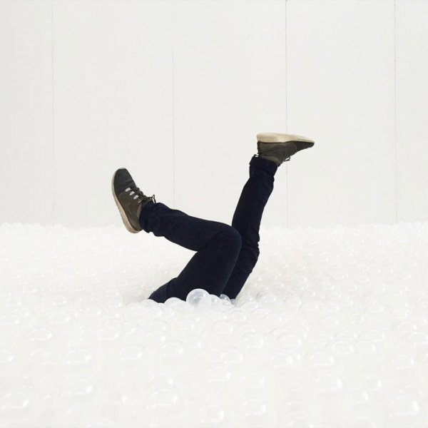 1438011669_18550910-r3l8t8d-1000-indoor-ball-pit-bubble-ocean-the-beach-snarkitecture-national-building-museum-28