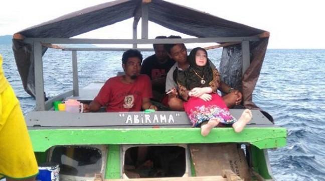 Індонезійські селяни переплутали ляльку з секс-шопу із ангелом