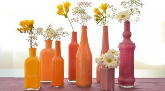 Вази з пляшок: легко, дешево і гарно