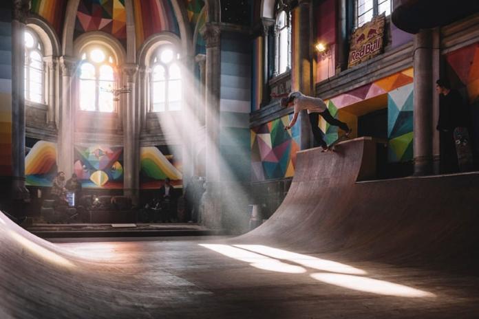Столітню церкву перетворили у скейт-майданчик
