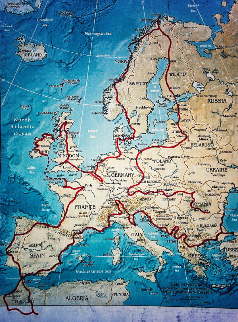 we-wanted-to-show-the-world-to-our-4-year-old-so-we-went-on-a-28-000km-trip-around-europe__880-830x1123