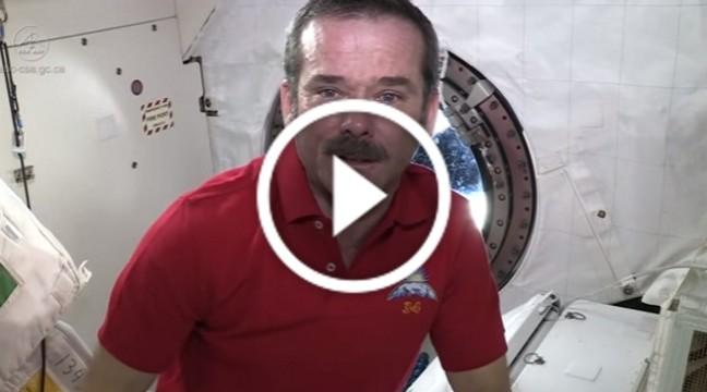 Чому у космосі не плачуть і як виглядають сльози у невагомості? Відео