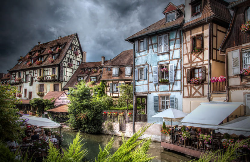 i-visited-the-little-villages-of-alsace-that-look-straight-from-a-fairy-tale-9__880-830x536