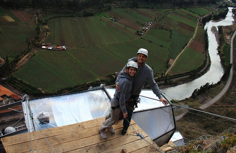 scary-see-through-suspended-pod-hotel-peru-sacred-valley-4