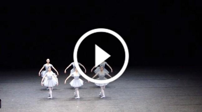 Балерини, з яких сміється весь інтернет. Чудова постановка :D