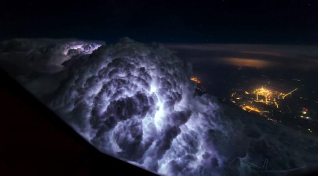 Унікальні фото: небо очима пілота