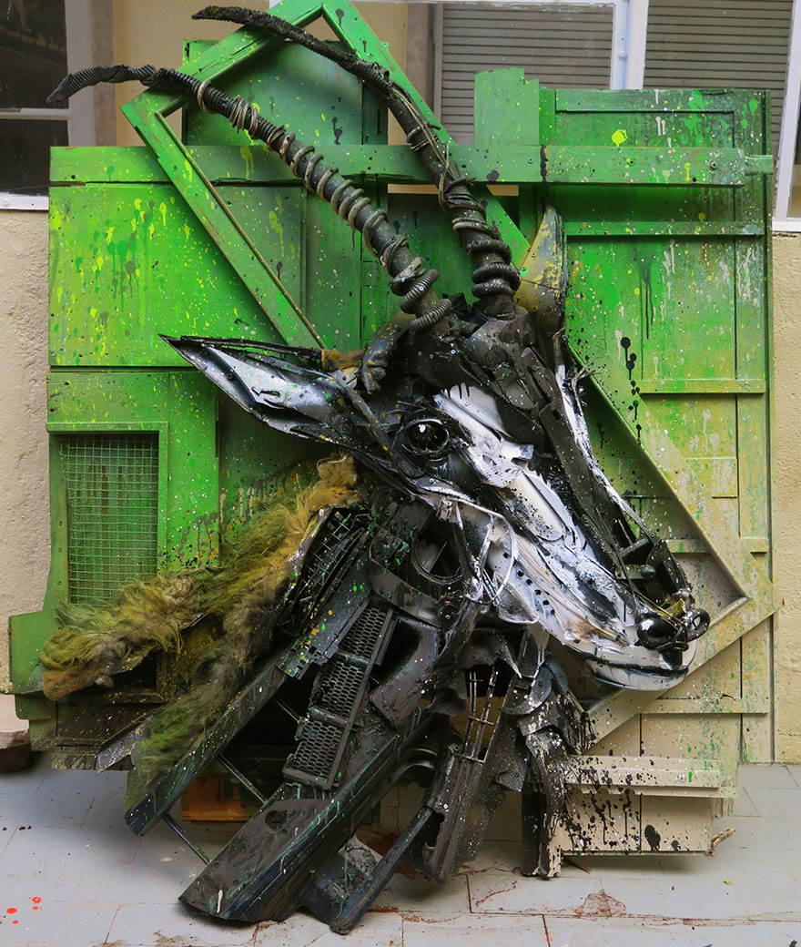 trash-animal-sculpture-artur-bordalo-30-57ea1bef2b640__880