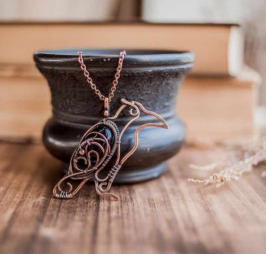 ursulajewelry_pendant_raven_01-57e514589ba57__880
