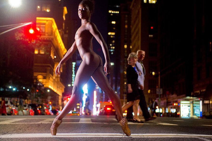 naked-ballet-dancers-after-dark-jordan-matter-new-york-16-5808a43fadf60__880