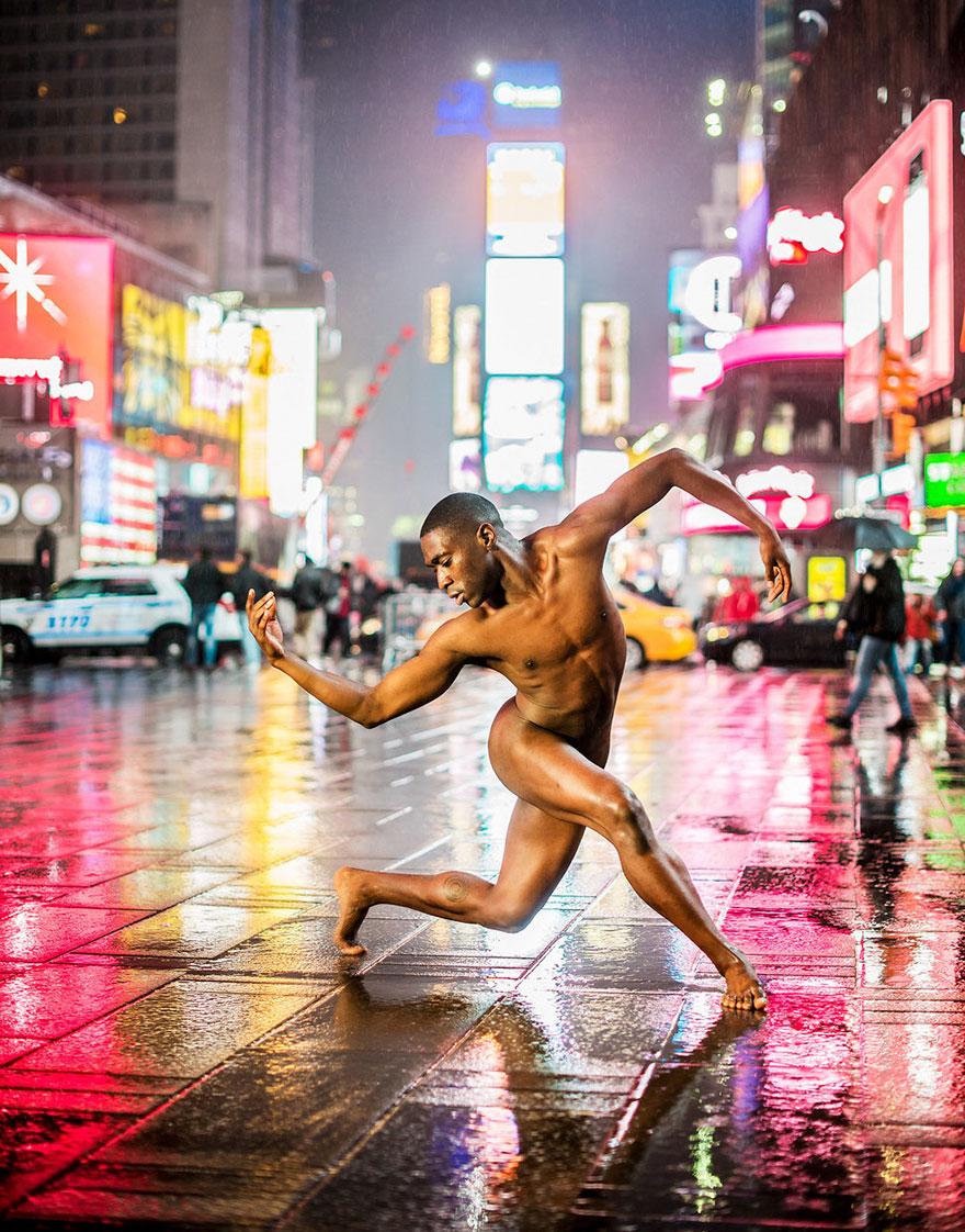 naked-ballet-dancers-after-dark-jordan-matter-new-york-2-5808a41a1b711__880