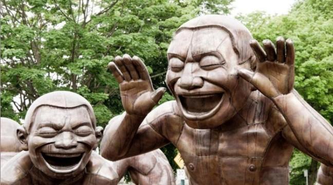 Смерть від сміху: 9 реальних випадків з життя