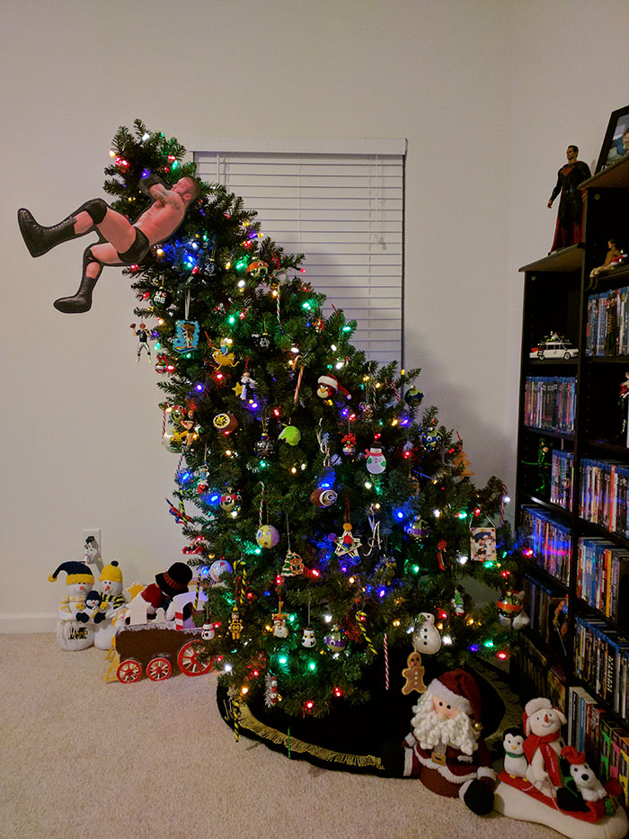 creative-christmas-tree-toppers-60-5848101f9ed99__700