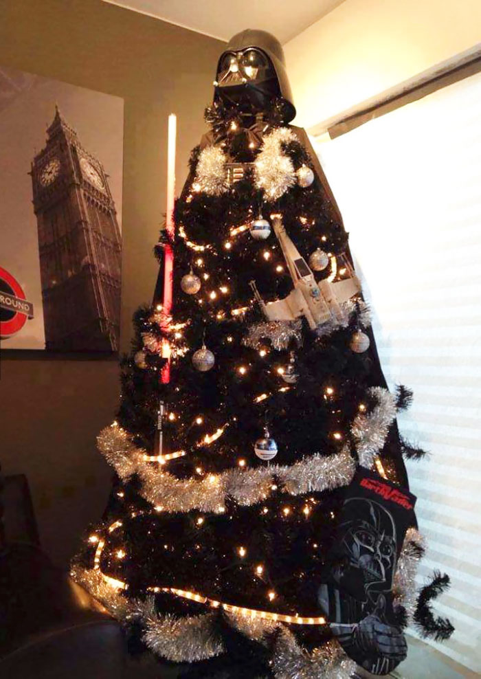 creative-christmas-tree-toppers-75-58481a2579264__700