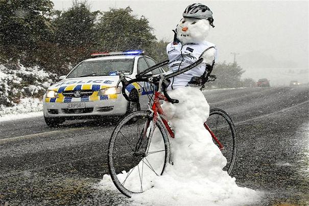 creative-snowman-ideas-26-5853c5a5c8c7d__605