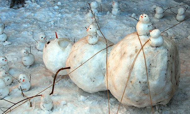 creative-snowman-ideas-59-5853f4e870cb3__605