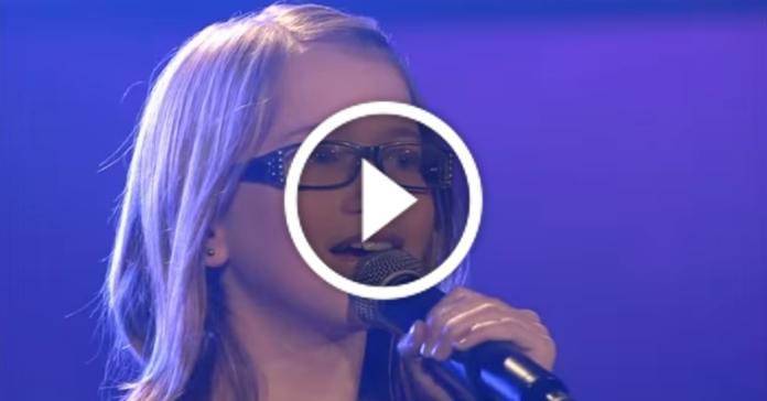 Тринадцятирічна дівчинка підняла зал, переспівавши пісню Whitney Houston – I will Always Love You