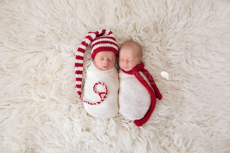 newborn-babies-christmas-photoshoot-knit-crochet-outfits-27-584e9a3140e81__880