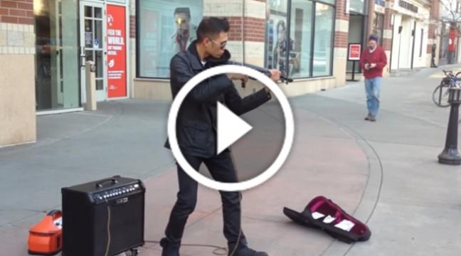 Цей вуличний музикант вже давно може збирати повні концертні зали