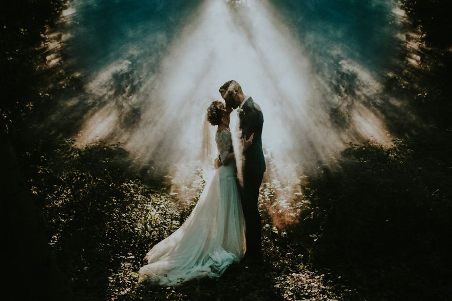 top-50-wedding-photos-of-2016-586cbce673192__880