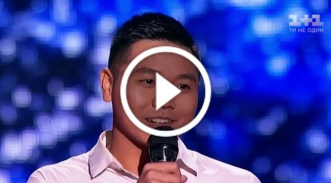 """В'єтнамець, який вивчив українську мову за 8 місяців, вразив своїм співом """"Голос країни"""""""