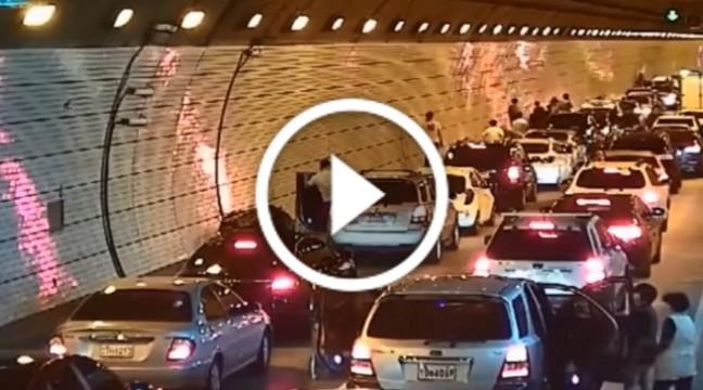 Просто подивіться, як поводяться люди у Південній Кореї, якщо на дорозі стається ДТП
