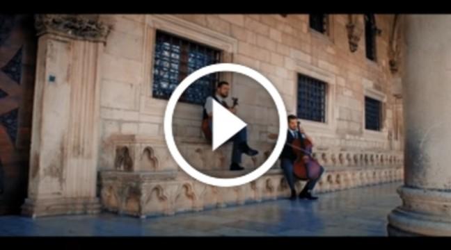 Новинка від 2CELLOS – пісня Moon River на віолончелях
