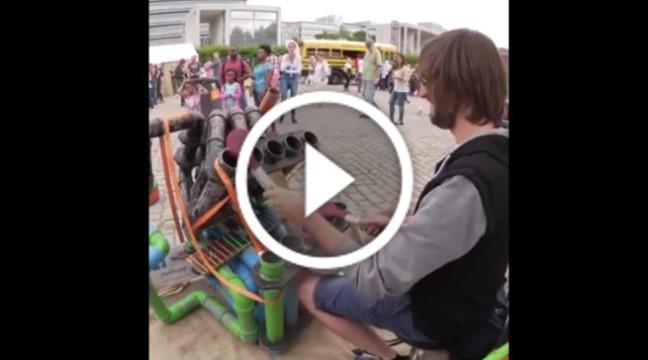 Барабанщик-віртуоз грає на водопровідних трубах. Оце талант!