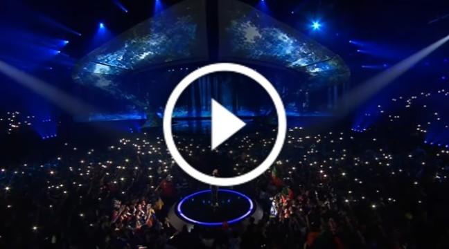 """Переможцем Євробачення-2017 став португалець Сальвадор Собраль з піснею """"Amar pelos dois"""""""